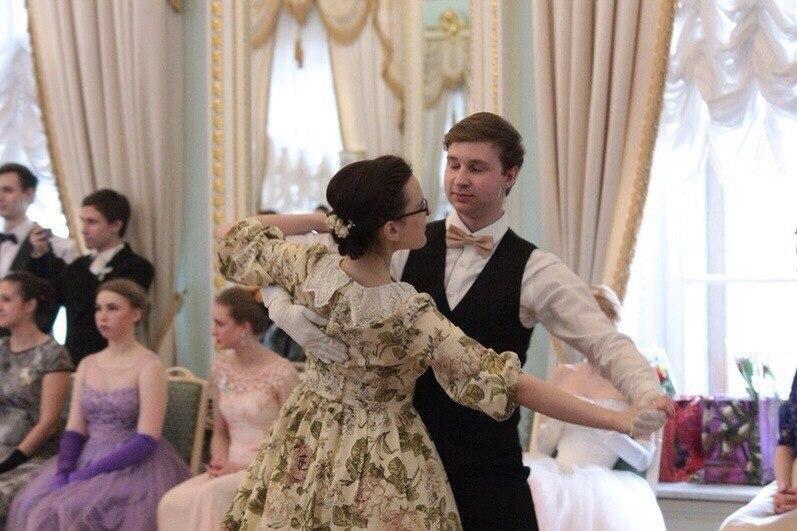 Анна Крылова, Исторические бальные танцы, бальные традиции
