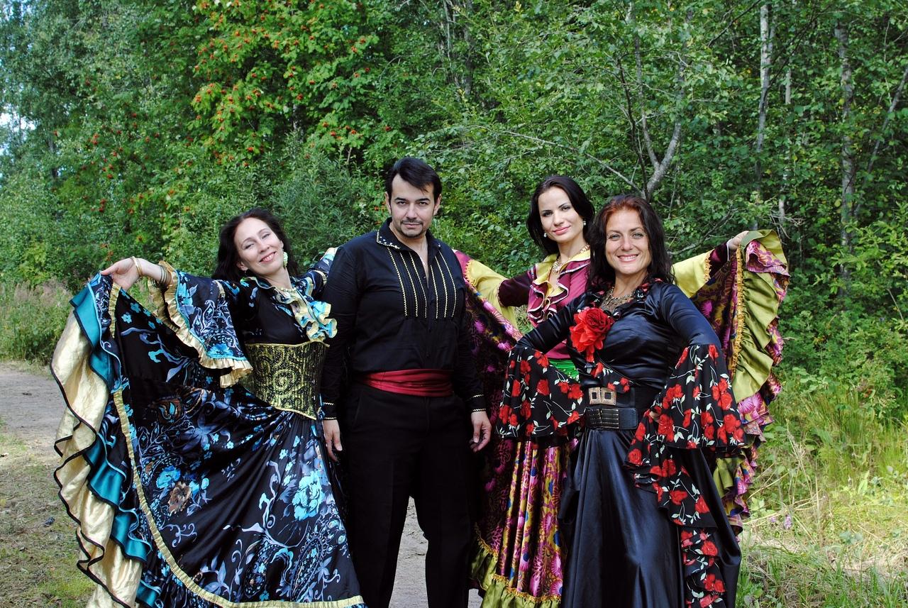 Евгений Берлин певец, актер, цыганские песни, цыганский ансамбль