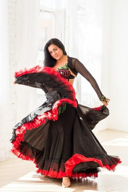 Александра Усанова, педагог по танцу живота