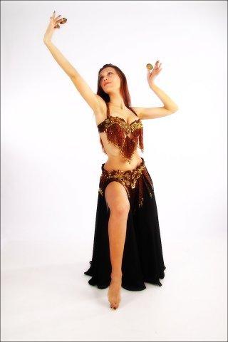 Танцуют танец живота и попкой онлайн