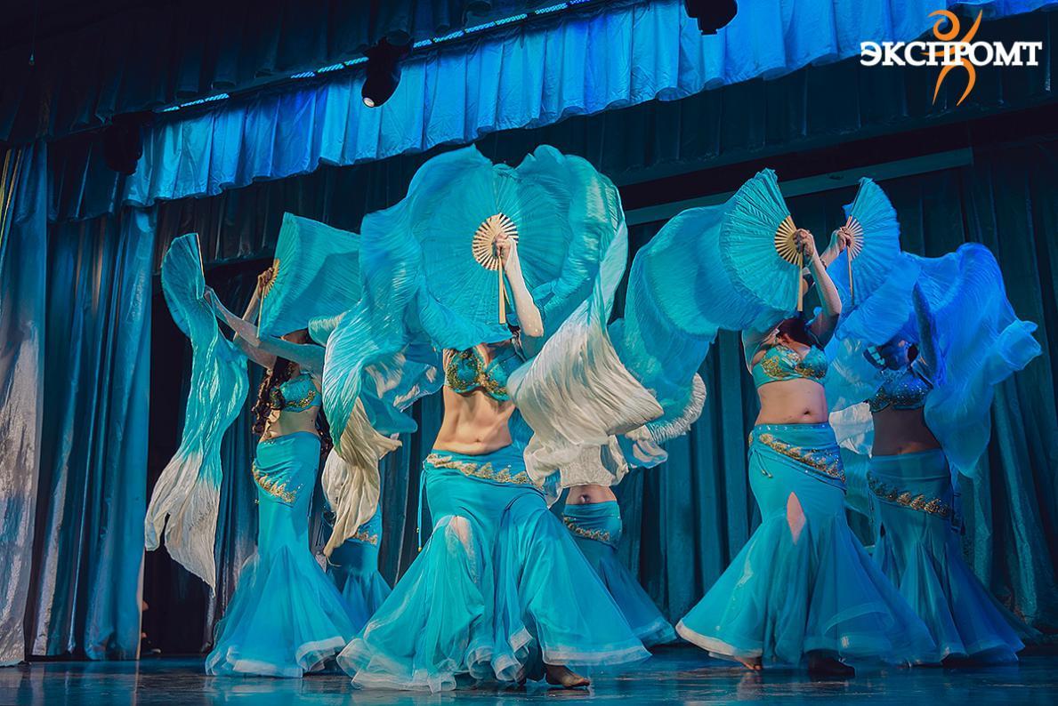 Танец живота с веерами-вейлами, танец живота для начинающих, танец живота для начинающих взрослых