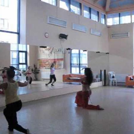 Танец живота с саблей. Sword belly dance. Drama Qween -Sahar.