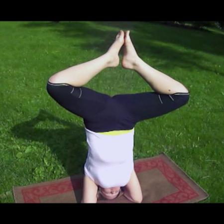 """Йога. Танец вверх ногами. """"Экспромт"""", школа танцев, студия фитнеса и йоги"""