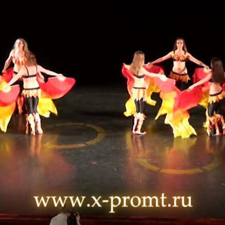 "Танец живота ""Камин"" (Пламя). Fan veils belly dance ""Fireplace"" (Flames)"