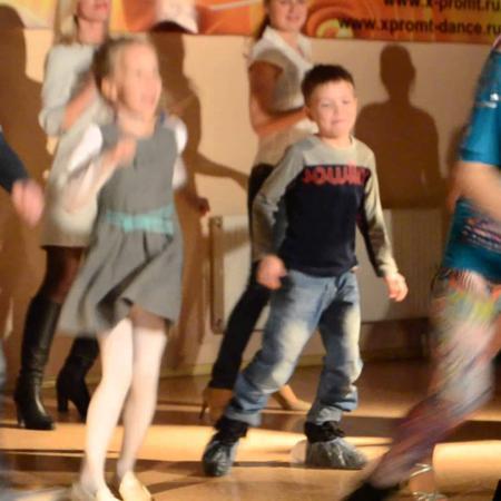 Танец Зумба. Уроки Зумбы. Занятия зумбой для начинающих. Вечеринка.