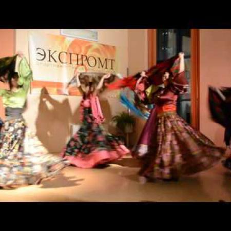 """Цыганский танец """"Маменька"""" с шалью."""