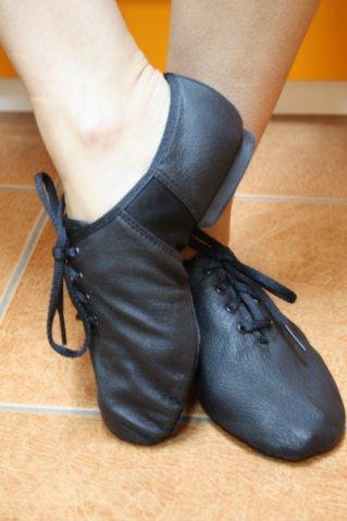 """"""",""""dzhazovki-sportivnaya-obuv-dlya-tantsev.footwearcompany.ru"""