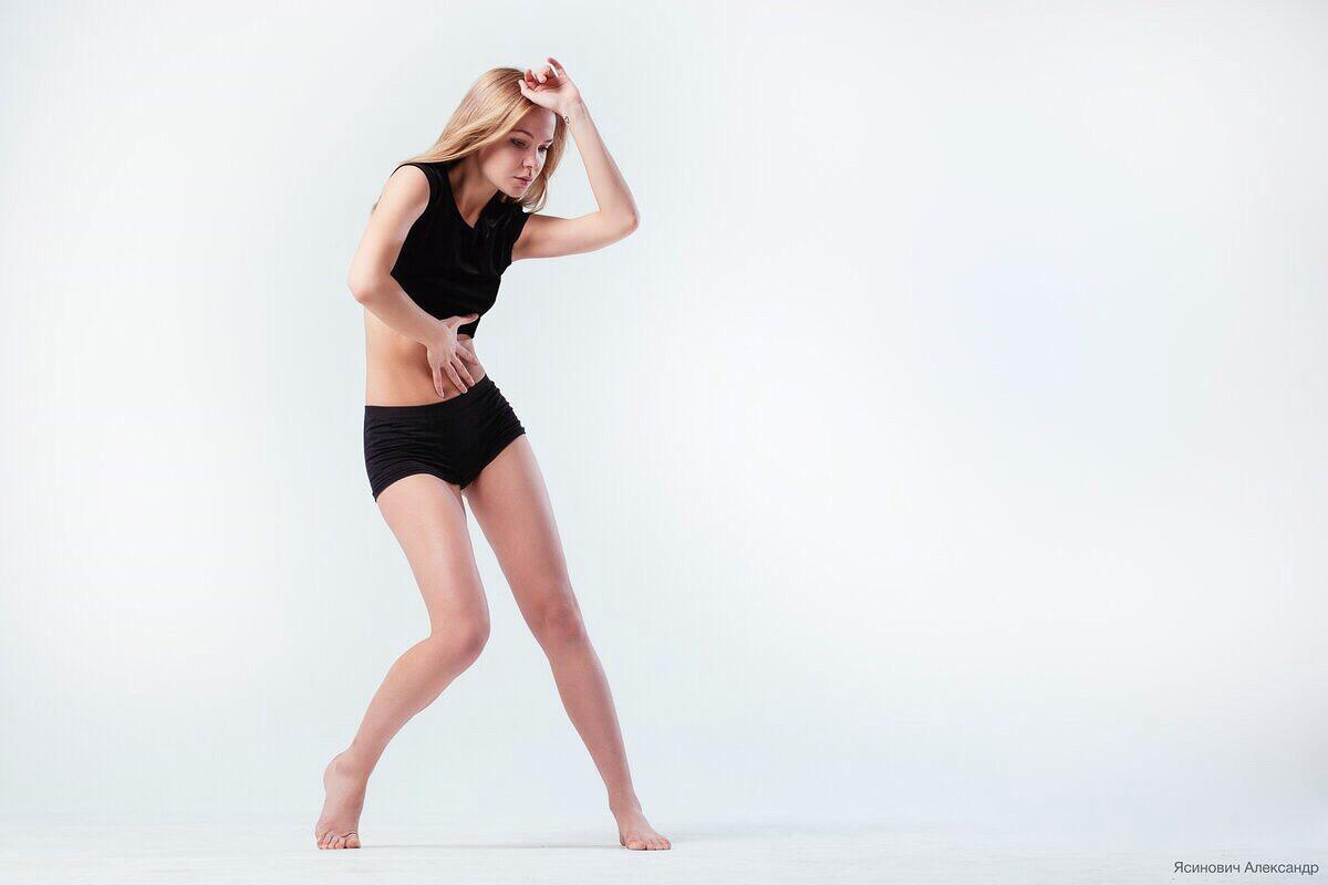 Стретчинг. Растяжка. Шпагат. Уроки стретчинга. Body work. Студия боди ворка.  Школа танцев Спб.